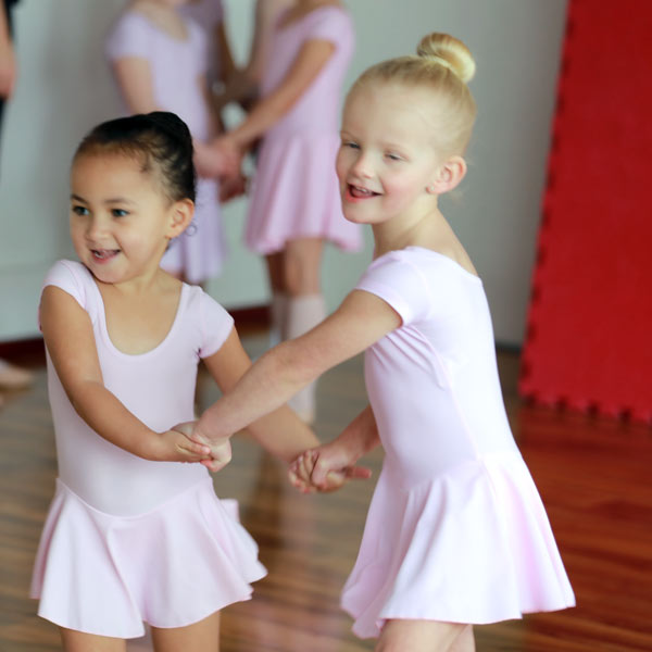 Twinkle Toes & Tappy Feet (Ballet & Tap for 2½ -4 years)